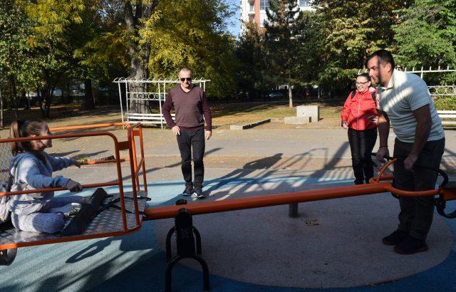 Иван Божилов приветства поставянето на люлка за деца инвалиди