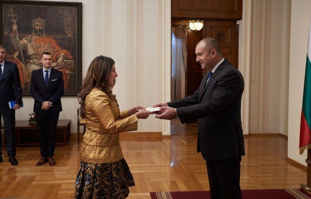 Херо Мустафа връчи акредитивните си писма на президента Радев