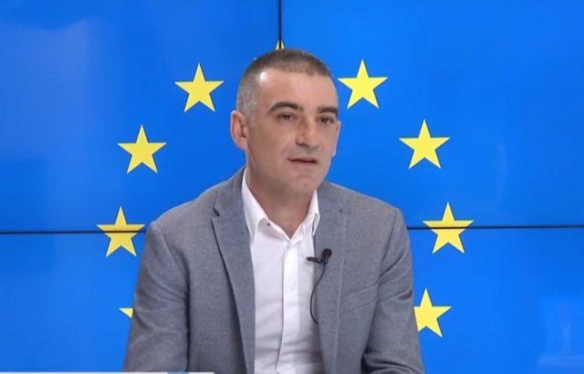 """Петър Митев, кандидат за кмет на район """"Оборище"""", иска да разшири """"синята зона"""""""