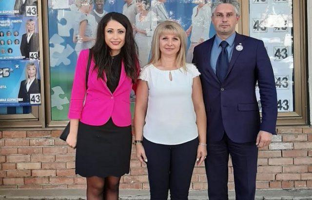 """Кандидат-кметът на Стражица от ГЕРБ инж. Детелина Борисова участва във фестивала """"Житената питка"""""""