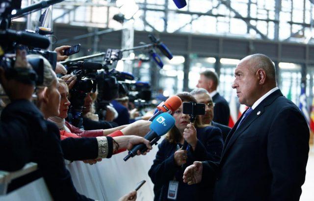 Премиерът посъветвал Зоран Заев да не подава оставка