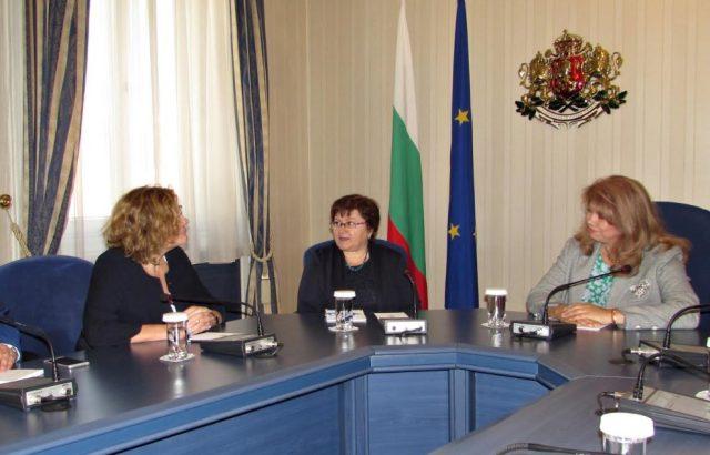 Йотова се срещна с новия френски посланик в България
