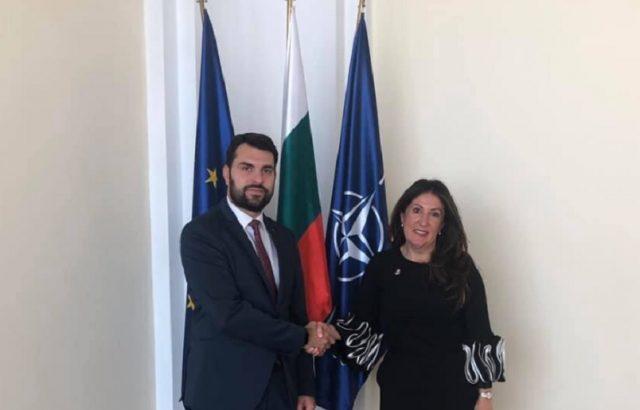 Георг Георгиев приветства с добре дошла Херо Мустафа
