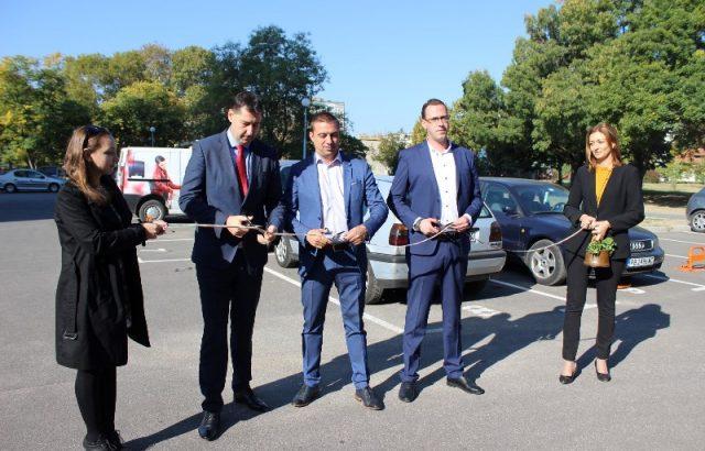 "Нов паркинг за близо 50 автомобила откриха в район ""Западен"" в Пловдив"