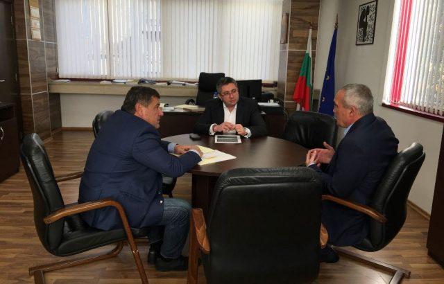 Край на проблема с водата и изграждане на околовръстно с Цветан Костадинов кмет на Червен бряг