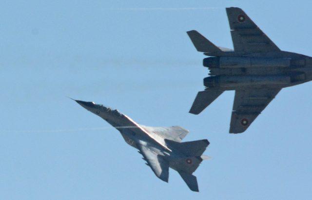 В Долна Митрополия отбелязват 60 години висше авиационно военно образование