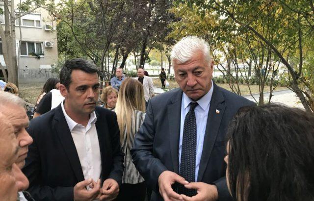 Здравко Димитров и Георги Стаменов разговаряха с граждани