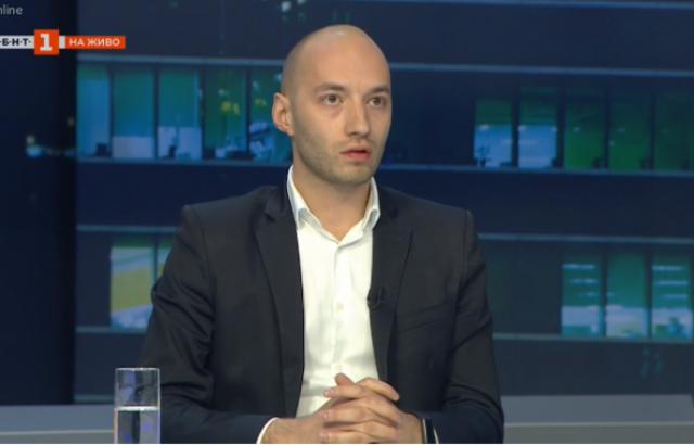 """Димитър Ганев, """"Тренд"""": Когато българите искат да махнат една власт, винаги са го правили, но те избират кой да е на власт"""